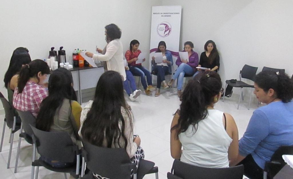 Obstetricia y Núcleo de Investigación en Género realizaron conversatorio sobre la Violencia de Género