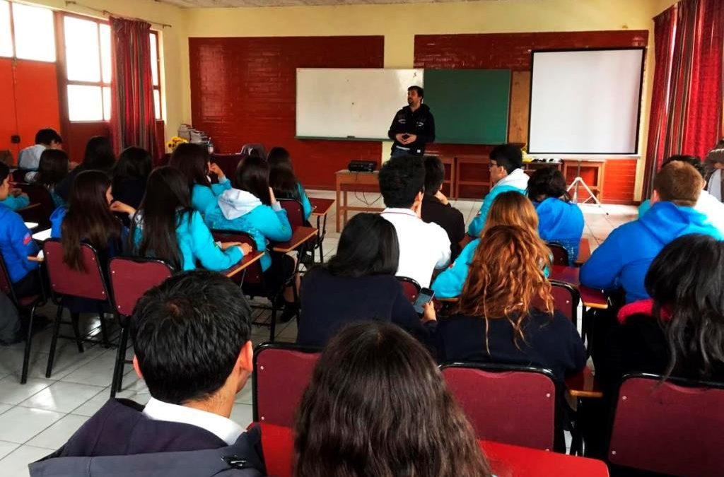 Invitan a jóvenes estudiantes de Atacama a escribir micro ensayos para ganar atractivos premios