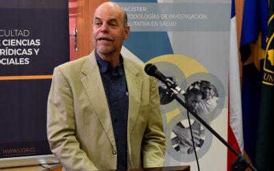 Charles Thompson dictó charla en la UDA sobre el trabajo en Migración y el Abordaje Etnográfico