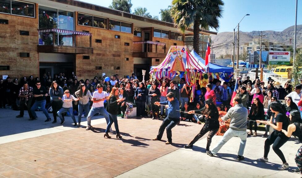 Celebran fiestas patrias en la Facultad de Ciencias de la Salud
