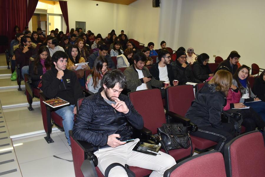 Un Centenar de profesionales participaron en seminario sobre Neurorehabilitación.