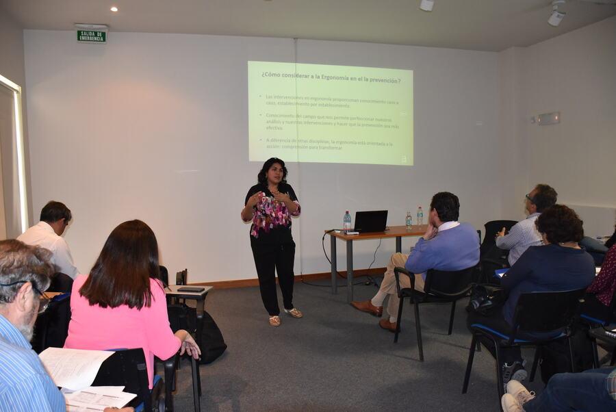 """Kinesiología e Ingeniería Comercial de la UDA realizaron Seminario Internacional """"Ergonomía, Sustentabilidad y Desarrollo"""""""